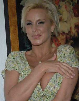 Free Blonde MILF Porn Pictures