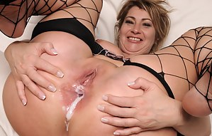 Free MILF Anal Creampie Porn Pictures