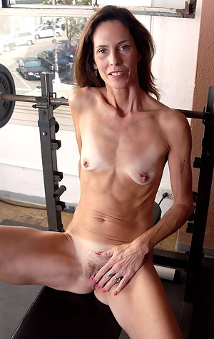 Free Skinny MILF Porn Pictures