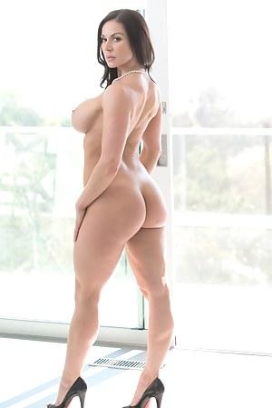 Free MILF Pornstar Porn Pictures
