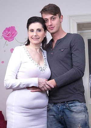 Free MILF and Boy Porn Pictures