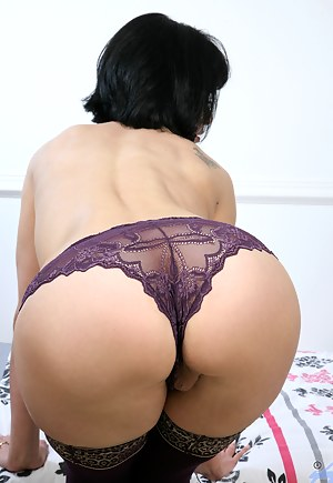 Free Perfect Ass MILF Porn Pictures