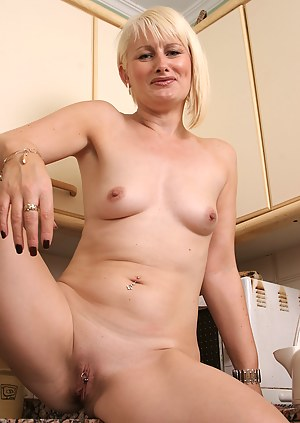 Free MILF Pussy Piercing Porn Pictures